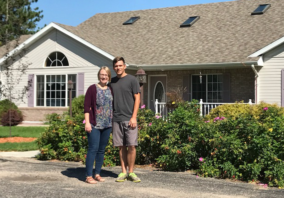 image of beth and ed, owners of rose haven assisted living in menahga, minnesota